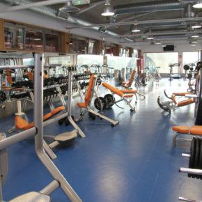 ¿Por qué los gimnasios de los polideportivos siguen cerrados?